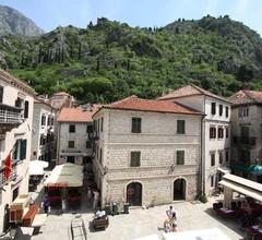 Montenegro Hostel B&B Kotor 1