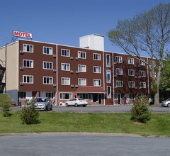 Seasons Inn Halifax 2
