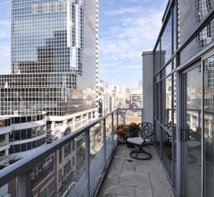 Yonge Suites Furnished Apartments 2
