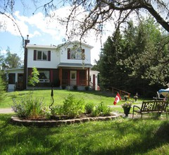 Country Cozy Bed and Breakfast 1