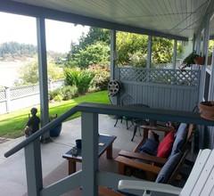 Hammond Bay Oceanside Guesthouse 2