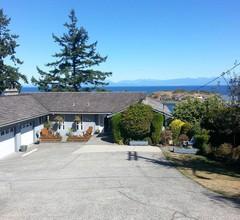 Hammond Bay Oceanside Guesthouse 1