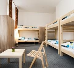 Hostel Opletalova 2
