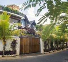 14 Palms 1