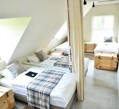 Five Point Hostel & Apartments 1