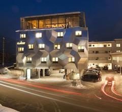 Cubo Sport & Art Hotel 1