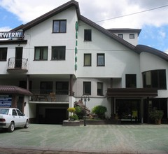 Adeo Hostel 1