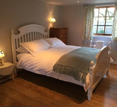 Stapehill Lodge B&B 2