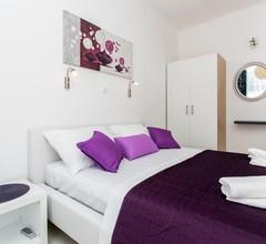 Apartment Purple Magic 1