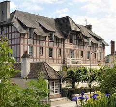 Hostellerie Du Chateau 2