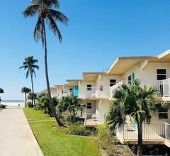 Carousel Beach Inn 2