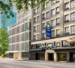 Days Inn by Wyndham Vancouver Downtown 2