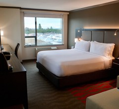 Holiday Inn Vancouver Airport 2