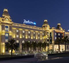 Radisson Blu Hotel Ajman 1