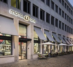 Motel One Basel 1