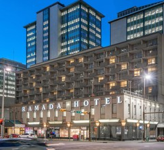 Ramada Plaza by Wyndham Calgary Downtown 1