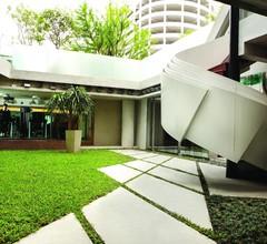 LiT Bangkok Hotel 1
