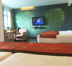Lux Private Hotel 1