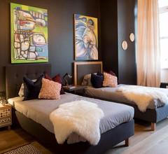 Design Hostel P182 2