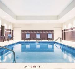 La Quinta Inn & Suites by Wyndham Wichita Northeast 2