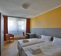 Dietrich-Bonhoeffer-Hotel 1