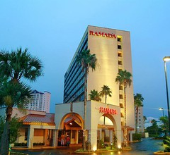 Ramada Plaza by Wyndham Orlando Resort & Suites Intl Drive 1