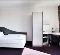 Dietrich-Bonhoeffer-Hotel 2