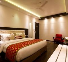 Hotel Grand Godwin 1