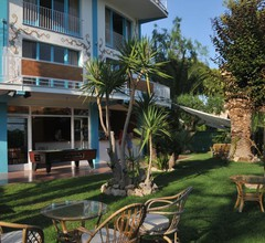 Utopia Beach House 1