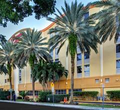 Hampton Inn Miami-Coconut Grove/Coral Gables 1