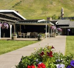 The Virginian Lodge 1