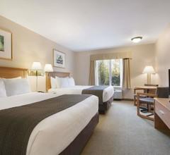 Days Inn & Suites By Wyndham Thunder Bay 2