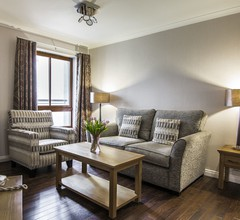 The Knight Residence by Mansley Serviced Apartments 1