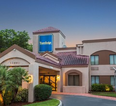 Travelodge by Wyndham Fort Myers Airport 1