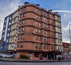 Hotel Charlotte Plaza 26 1