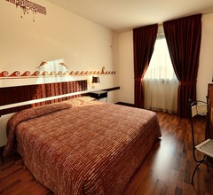Etruscan Chocohotel 2