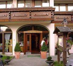 Hotel und Naturhaus Bellevue 1