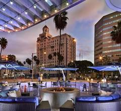 Renaissance Long Beach Hotel 2