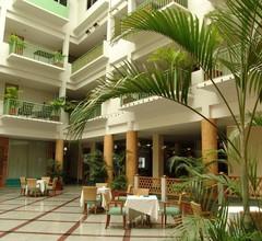 Dhevaraj Hotel 1