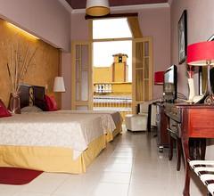 Hotel E La Ronda 1