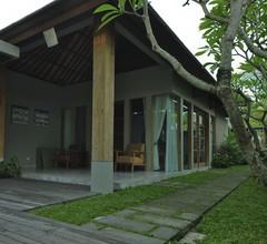 Villa Kayu Lama 2