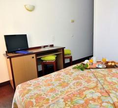 Narev's Hotel 2
