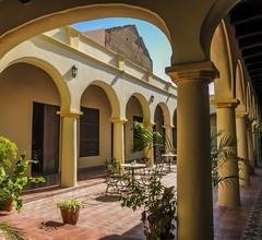 Hotel E La Avellaneda 1