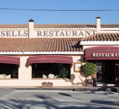 Brea's Hotel 1