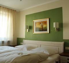 Parkhotel Crombach 1