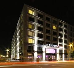 Arcotel John 1
