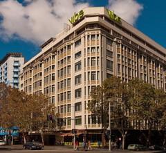 Vibe Hotel Sydney 1