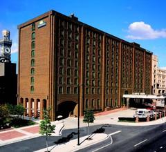 Days Inn by Wyndham Baltimore Inner Harbor 2