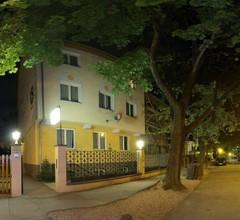 Hotel Corvin 1