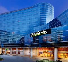 Radisson Hotel Vancouver Airport 2